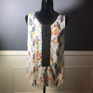 cAbi Floral Sleeveless Tunic with Black Banding 🖤